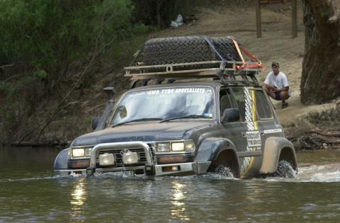 toyota-land-cruiser-picture-deep-water